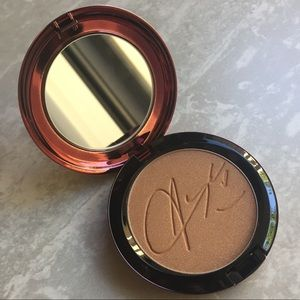 New MAC Aaliyah Bronzing Powder in Baby Girl